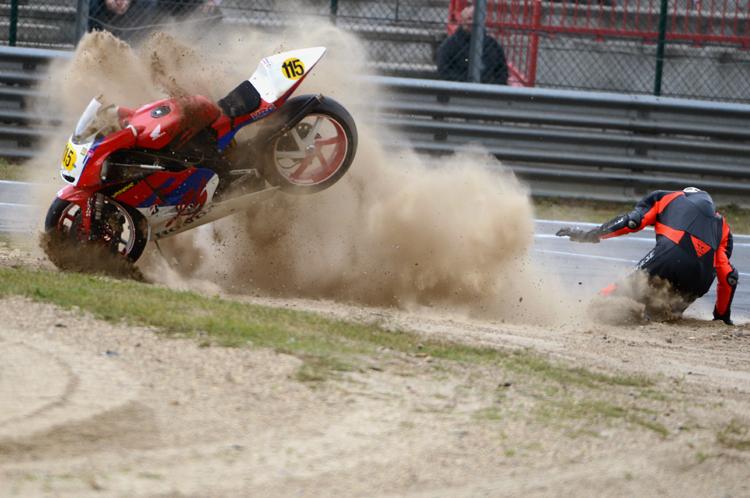 moto-crash 02jpg