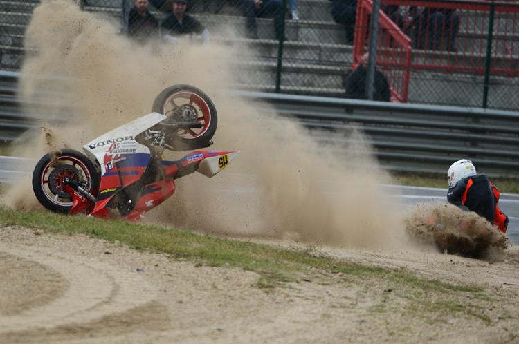 moto-crash 05jpg